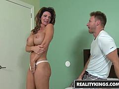 Realitykings - mommy hunter - deauxma levi cabbage - vacation cooch maturepornvideos